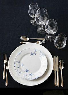 Royal Copenhagen Blue Elements Dinnerware Hunger Strikes