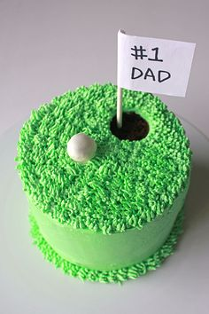 Den perfekte kage til en rigtig golffar på farsdag! find din fondant på www. Cupcakes, Cupcake Cakes, Birthday Cakes For Men, Food Colouring Paste, Dad Cake, Fathers Day Cake, Sweetest Day, Cake Designs, Cake Decorating