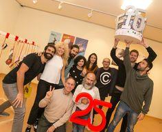 """O equipo de """"Sueño de una noche de verano"""" festexando o soño dos 25 anos do #FIOT25"""