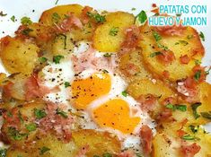 patatas a lo pobre gratinadas con huevo y jamón Grilled Meat, Vegetable Salad, Sin Gluten, Potato Recipes, Cilantro, Food Porn, Food And Drink, Cooking Recipes, Meals