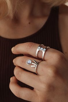 STYLE |Statement ringSTONE |Rainbow MoonstoneFINISH |.925 Sterling Silver *ALL SALE ITEMS ARE FINAL SALE