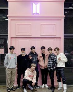 my cute lovelies Bts Blackpink, Bts Bangtan Boy, Foto Bts, K Pop, Seokjin, Namjoon, J Hope Twitter, Bts Group Photos, Les Bts