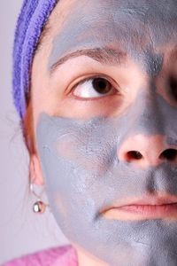 Home made Face Masks For Acne - Baking Soda & Water: Make a paste by adding water to baking soda until it is the consistency of thin dough and apply it to your freshly cleansed face. After the mask ha(Baking Face Mask) Acne Face Mask, Acne Facial, Facial Care, Facial Masks, Diy Face Mask, Turmeric Facial Mask, Tumeric Face, Easy Homemade Face Masks, Wie Macht Man