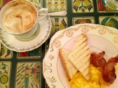 Breakfast in Rome and a Video Postcard {Gillians Links}