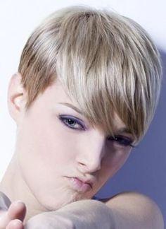 Kurze Haare mit einem Pony? 12 schmeichelnde und inspirierende PIXIE Frisuren mit längerem Pony! - Neue Frisur