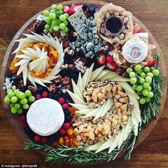@btrejo88, who lists her name as Bianca Trejo, often posts pictures of cheese platters. In this one, she uses shards of cheddar to create a very striking effect
