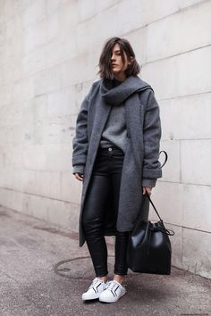 Fuzzy Coat & Bucket Bag I More on viennawedekind.com