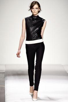 Gianfranco Ferré Fall 2011 Ready-to-Wear Fashion Show - Zuzanna Bijoch