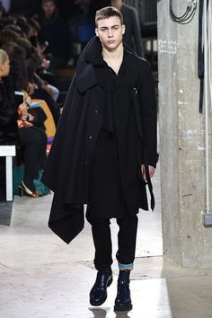 See the complete Lanvin Fall 2017 Menswear collection.