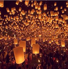 The things I want to live... Light a candle at the Lantern festival, Taiwan.