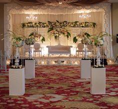 Cheap Wedding Reception, Wedding Wows, Beautiful Wedding Venues, Elegant Wedding, Vintage Table Decorations, Wedding Hall Decorations, Wedding Table Centres, Head Table Wedding, Traditional Wedding Decor