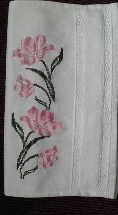 Havlu kenarı Just Cross Stitch, Cross Stitch Flowers, Cross Stitch Borders, Cross Stitch Designs, Cross Stitching, Cross Stitch Patterns, Hand Embroidery Designs, Ribbon Embroidery, Cross Stitch Embroidery