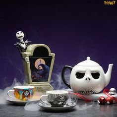 Nightmare Before Christmas Cookie Jar & Tea Set Nightmare Before Christmas Costume, Nightmare Before Christmas Decorations, Christmas Costumes, Halloween Decorations, Spooky Decor, Jack Skellington, Mister Jack, Diy Christmas Mugs, Jack The Pumpkin King