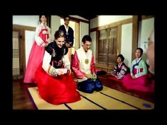 Seollal, Korean New Year (English)- very informative for old traditions of celebrating Korean New Year, Learn Korean, Celebration Around The World, New Year Celebration, New Years Superstitions, Korean Holidays, Chinese New Year Zodiac, Korea News, Living In Korea