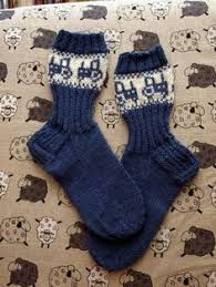 Image result for traktori villasukat Knitting Socks, Hand Knitting, Knitting Patterns, Woolen Socks, Stocking Tights, Mittens, Charity, Slippers, Stockings