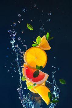 High Speed Photography, Splash Photography, Fruit Photography, Body Photography, Summer Fruit, Summer Drinks, Fruit Splash, Web Design, Still Life Photographers