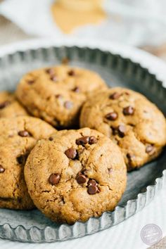 Going to a cookie exchange? This recipe for Flourless Cashew Butter Chocolate Chip Cookies is only 7 ingredients and uses one bowl! Swap out the chocolate chips for festive sprinkles or M&M's! Paleo Dessert, Healthy Desserts, Delicious Desserts, Dessert Recipes, Healthy Recipes, Healthy Sweets, Easy Cookie Recipes, Sweet Recipes, Baking Recipes