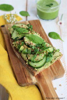 TARTINE SUPER GREEN AU HOUMOUS DE PETIT-POIS
