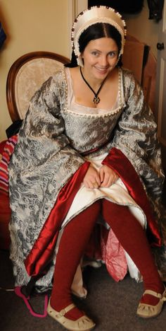 How to Make a Tudor Kirtle and a Gown a bit of a warning - this post is a rehash of the article i wrote some years ago and includes old photos etc - so the photo quality is n...