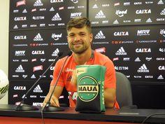 Diego lembra Flu como beneficiado de gol anulado no Brasileiro #globoesporte