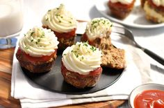 Meatloaf Cupcakes with Mashed Potato - faster to make than traditional meatloaf and appeals to kids, big and small! #meatloaf #cupcakes #mashed_potato