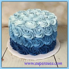 Beautiful Photo of Blue Birthday Cake . Blue Birthday Ca Birthday Cakes For Men, Birthday Cupcakes, Birthday Cake Designs, Birthday Cake Roses, Birthday Ideas, Baby Boy Birthday Cake, 13th Birthday, Birthday Images, Buttercream Birthday Cake
