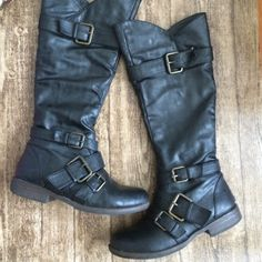 Black buckle boots Perfect condition! Size 7. Super comfy! Love them but have too many pairs of boots! Inside has zipper for putting it on ❤️ Shoes Winter & Rain Boots
