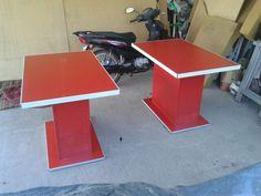 Mesa roja. Caffe monza