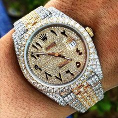 In some cases part of that image is the quantity of money you invested to use a watch with a name like Rolex on it; it is no secret how much watches like that can cost. Swiss Army Watches, Old Watches, Seiko Watches, Expensive Watches, Luxury Watches For Men, Beautiful Watches, Bling Bling, Luxury Jewelry, Fashion Watches
