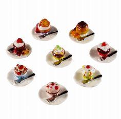 【フェーブ】女王陛下のカップケーキ 8個 2013年 (S) - フェーヴ販売 - 日本最大!陶器小物雑貨通販のフェーブなつじかん