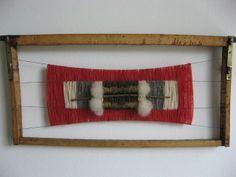 Emma - Almacén de cosas lindas: Telares Abeja Textiles, Weaving Art, Macrame Knots, Textile Art, Lana, Folk, Tapestry, Embroidery, Wall Art