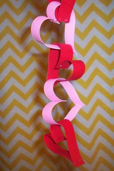 A Blissful Abode: DIY Valentines Garland:)