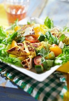 Leipäjuusto-broilerisalaatti | K-ruoka Balela Salad Recipe, Easy Beef Stew, Salad Recipes, Healthy Recipes, Good Food, Yummy Food, Greens Recipe, Ketogenic Recipes, Soup And Salad