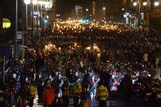 Edinburgh Hogmanay Torchlight Procession, 2012 by Vic Sharp, via Flickr