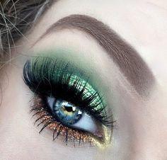 Saint Patricks Day Pot O' Gold Glittery Green Makeup - #greenmakeup #goldmakeup #glitter