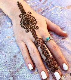 Pretty Henna Designs, Mehndi Designs For Kids, Finger Henna Designs, Mehndi Designs Feet, Full Hand Mehndi Designs, Mehndi Designs Book, Mehndi Designs For Beginners, Mehndi Designs For Fingers, Latest Mehndi Designs