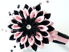 Diadema de tela Flor Kanzashi. El teniente rosa y negro. por JuLVa