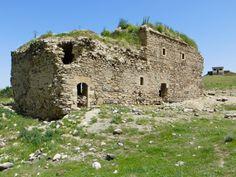 Elazığ'daki 1000 Yıllık Hulvenk Kilisesi 10 Yıldır Tahrip Ediliyor Tourism, Paradise, Turismo, Hiking, Traveling, Tomatoes, Travel, Heaven