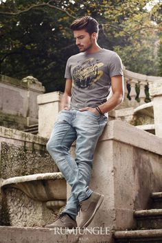 SPRING SUMMER 2014 COLLECTION Mariano Di Vaio Popular Fashion Blogs, Mdv Style, Urban Fashion, Mens Fashion, Cute Boy Photo, Handsome Male Models, Photography Poses For Men, Rugged Style, Classy Men