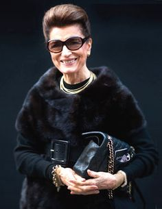Costanza Pascolato...in her 70s! They say black can be too harsh on us 'older girls' ... but she's rockin' it here!