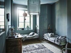 Sisustusta, modernia skandinaavista designia ja 100-vuotiaan talon remontointia käsittelevä blogi.