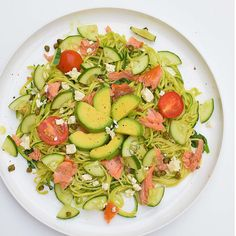 Family Meal: 'Good Fats' Hot-Smoked Salmon Pesto Zoodles  #dreamingofalmonds #healthy