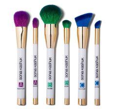 Sonia Kashuk Limited Edition - Brush Set Brand new. Sonia Kashuk Limited Edition - Art of Makeup 6 Piece Brush Set. Eye Makeup Brushes, Makeup Brush Set, Makeup Tools, Cosmetic Brushes, Makeup Kit, Makeup Ideas, Sonia Kashuk Brushes, Best Affordable Makeup Brushes, Makeup Tutorial Eyeliner
