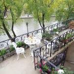Guest apartment rentals in Paris.. The Rose is an elegantly appointed apt. with french windows & balcony overlooking the Seine!