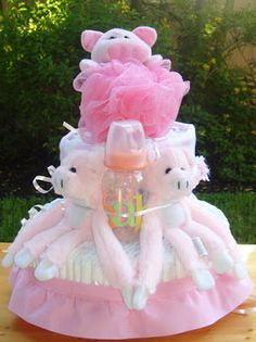 SoBearyCute offers the cutiest diaper cake and most unique baby gift arrangements. For a unique and classy gift while offering a memoriable presentation, sobearycute is the perfect gift shop stop. Unique Baby Gifts, Little Pigs, Diaper Cakes, Babys, Presentation, Baby Shower, Christmas Ornaments, Holiday Decor, Crafts