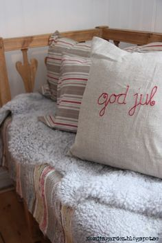 so comfy cozy - Christmas from nordingården Swedish Christmas, Cozy Christmas, Scandinavian Christmas, Scandinavian Style, Christmas Ideas, Christmas 2019, White Christmas, Holiday Ideas, Christmas Crafts For Gifts