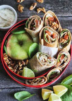 burczymiwbrzuchu: Tydzień z LunchBoxem #1: Wrapsy z pełnoziarnistych naleśników z wędzonym łososiem