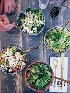 Restaurants santé à Montréal - salades mandys salad Montreal Food, Healthy Food, Healthy Recipes, Coffee Shop, Smoothie, Restaurants, Ethnic Recipes, Salads, Salad Bar