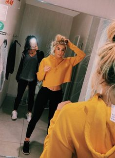 Women's Clothing Catalogs Fashion Style rather Womens Clothes Sale Asos after Women's Clothing Stores At Mall Of America Best Friend Pictures, Bff Pictures, Friend Photos, Athleisure Trend, Fall Outfits, Casual Outfits, Cute Outfits, Estilo Converse, Tumblr Bff
