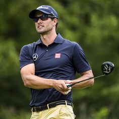 Stylin' on the golf course - Adam Scott Mens Golf Outfit, Golf Attire, Vintage Golf, Vintage Men, Adam Scott Golfer, Famous Golfers, Golf Practice, Golf Fashion, Men's Fashion